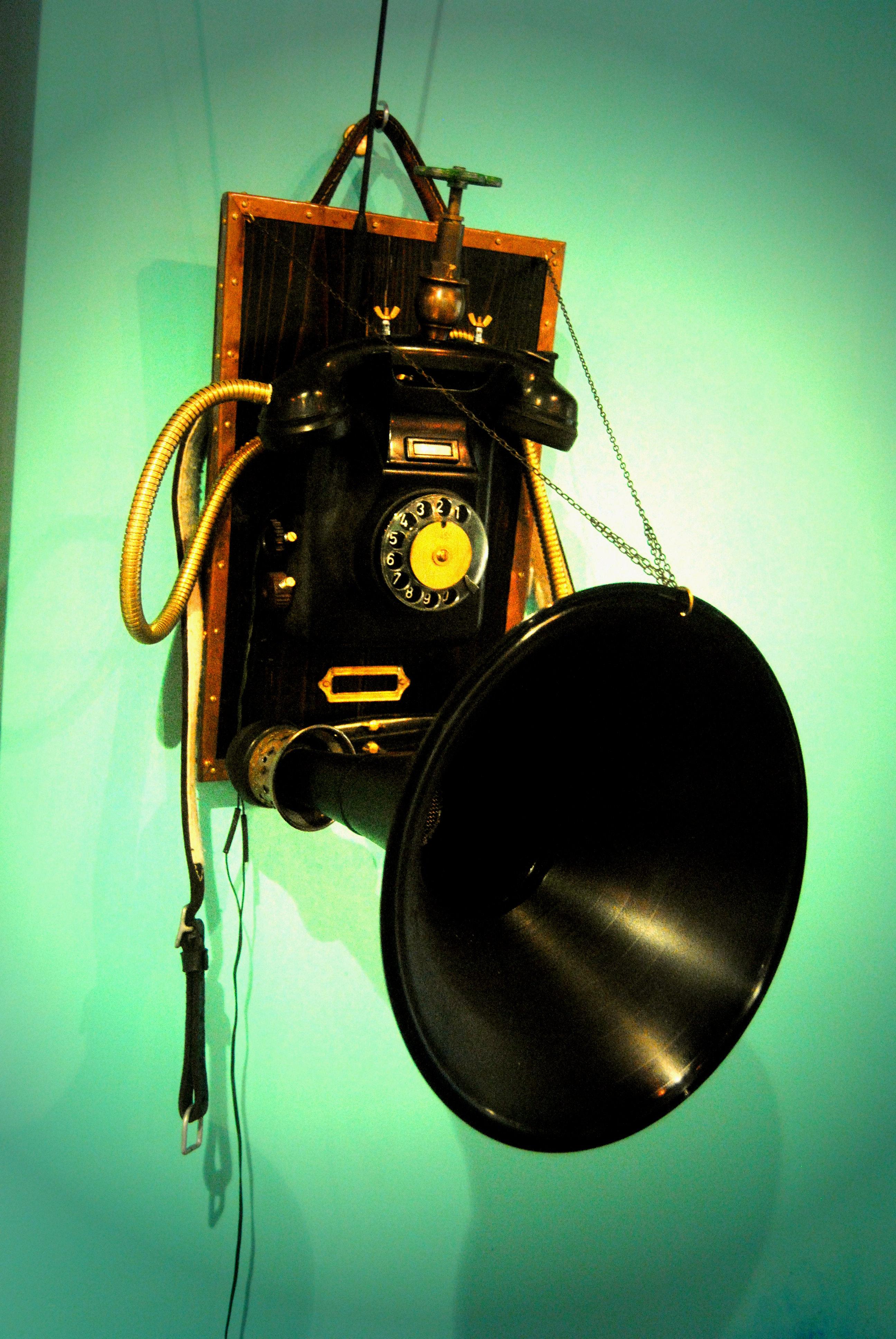 """Radiophone"""